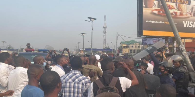 Dispersion de la manifestation de Lamuka par la Police