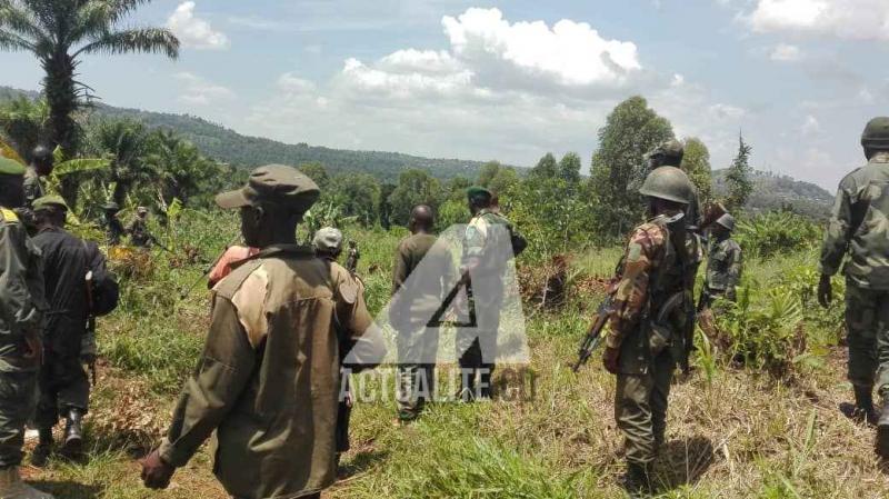 Les FARDC dans la brousse près de Beni (Ph. ACTUALITE.CD)