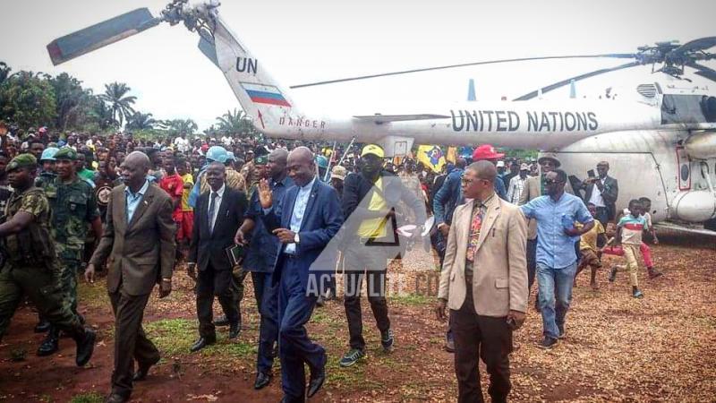 Arrivée du gouverneur Marc Mayanga à Kamako où des milliers de congolais réfoulés d'Angola vivent dans des conditions difficiles