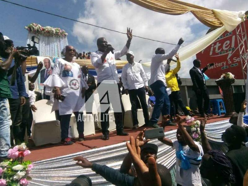 Martin Fayulu en meeting au rond-point VGH à Butembo