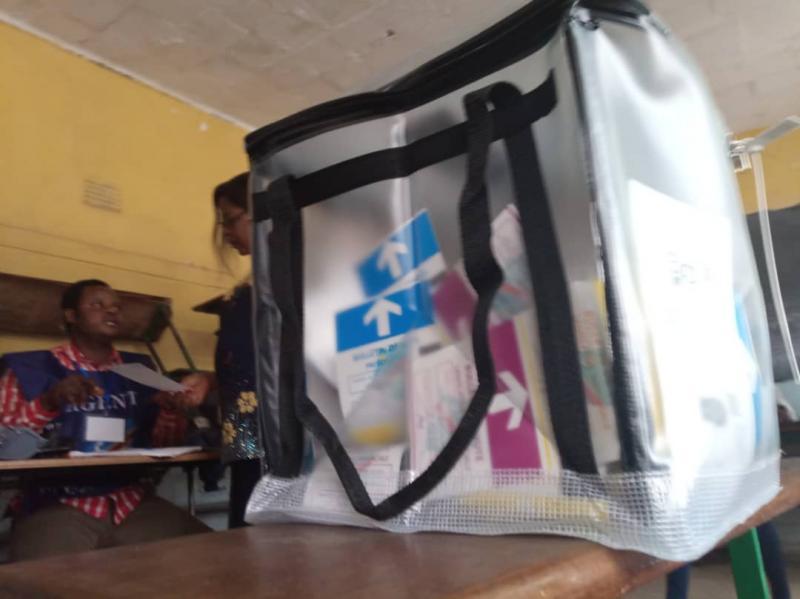 L'urne contenant ds bulletins dans un bureau de vote au centre Imara à Lubumbashi.