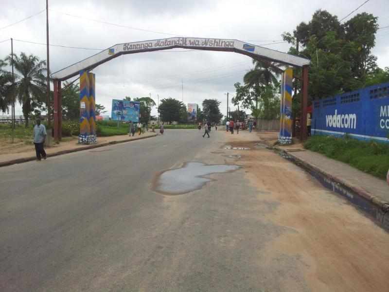 Une rue en pleine ville de Kananga