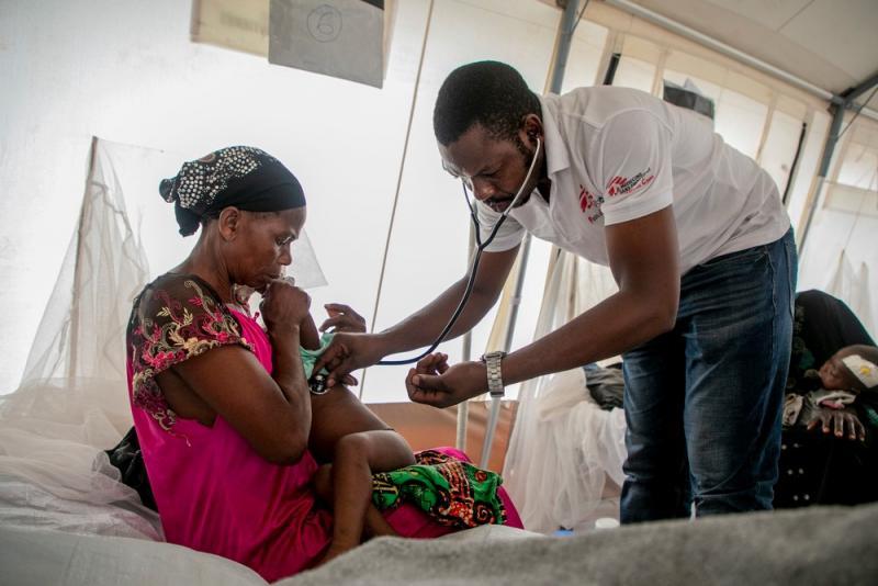 Premier cas confirmé d'Ebola en Ouganda selon l'OMS